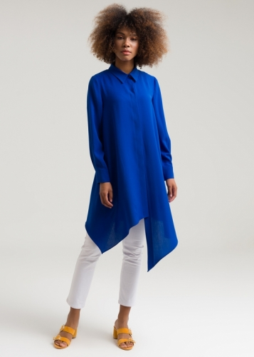 Tunic Is Detailed With The Buttons Of The Side
