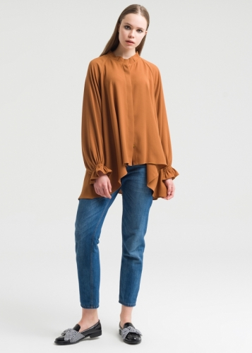 Comfortable Blouse Detailed With Sleeves And Collar