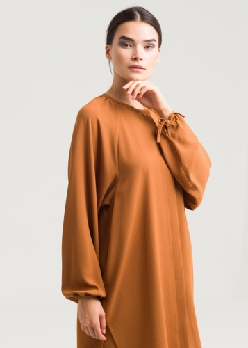 Detailed Blouse With Reglan Sleeves