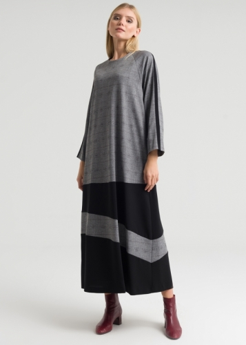 Checkered Dress With Reglan Sleeves