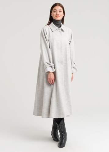Comfortable Overcoat With Reglan Sleeves