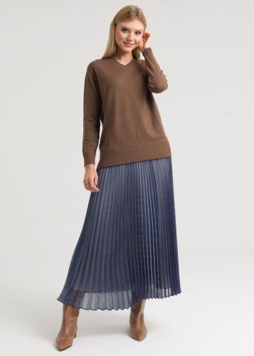 Knitwear With Long V-Neck