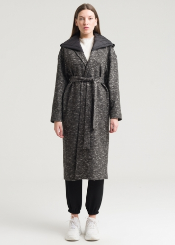 Long Coat With Belt And Hat From The Back