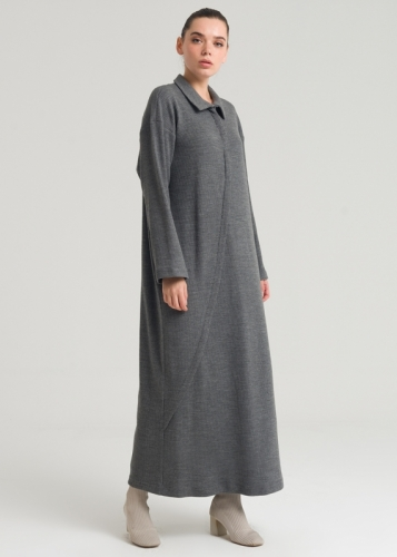 Comfortable Knit Dress with A Man's Collar
