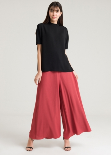 Wide Trousers From The Bottom