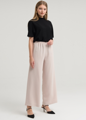 Comfortable Trousers Closed With Zipper