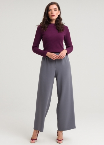 Comfortable, Closed Zipped Pants