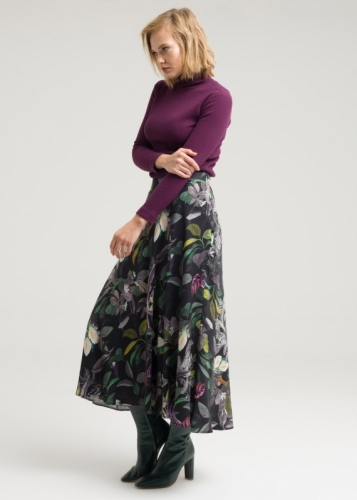 Cloche skirt with engraving