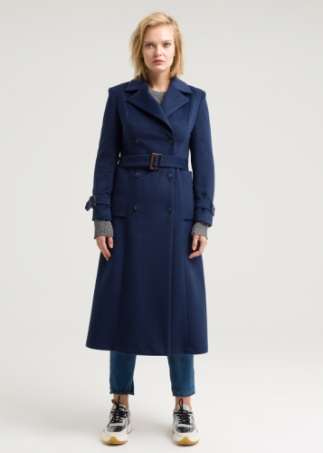 Winter coat with double buttons
