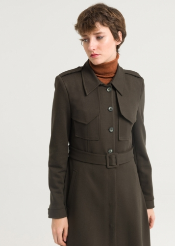 Coat with a detailed pocket