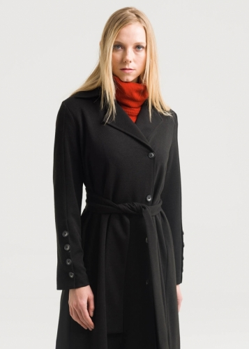 Detailed coat With sleeves and buttons