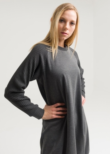 Reglan Sleeve Striped Tunic