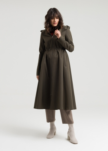 Coat with a tailored collar